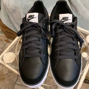 """""""NIKE"""" Leather Tennis Shoes"""